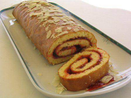 Photo n°2 du gâteau au roulé ; photo adressée par Nouchka